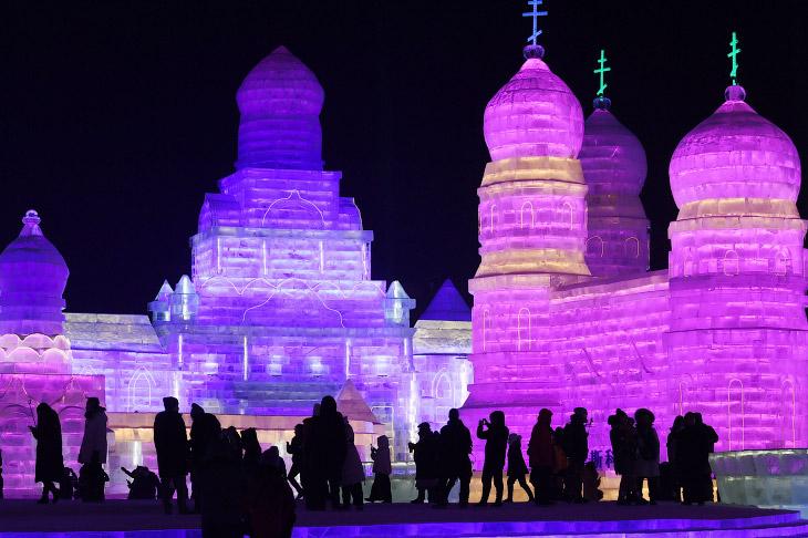 Фестиваль льда и снега в Харбине 2018 (22 фото)