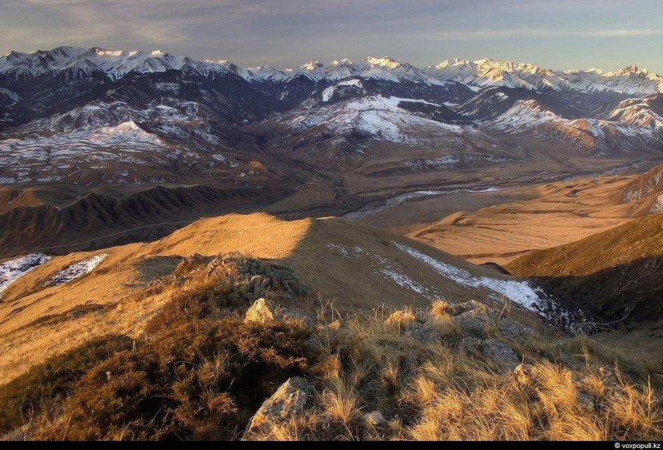 Заповедник Табан-Карагай, находящийся южнее плато Ассы. Природа здесь намного величественнее, а след