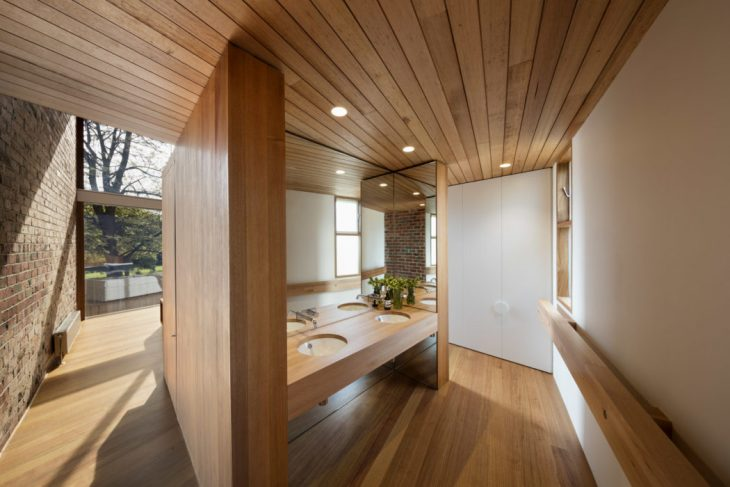 The site is located in Camberwell, Victoria on a unique L shape block, overlooking a leafy park. The