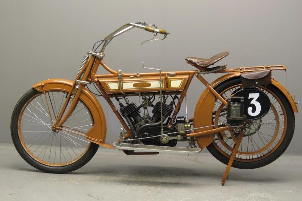 Старинный мотоцикл Motosacoche 2CV 1912