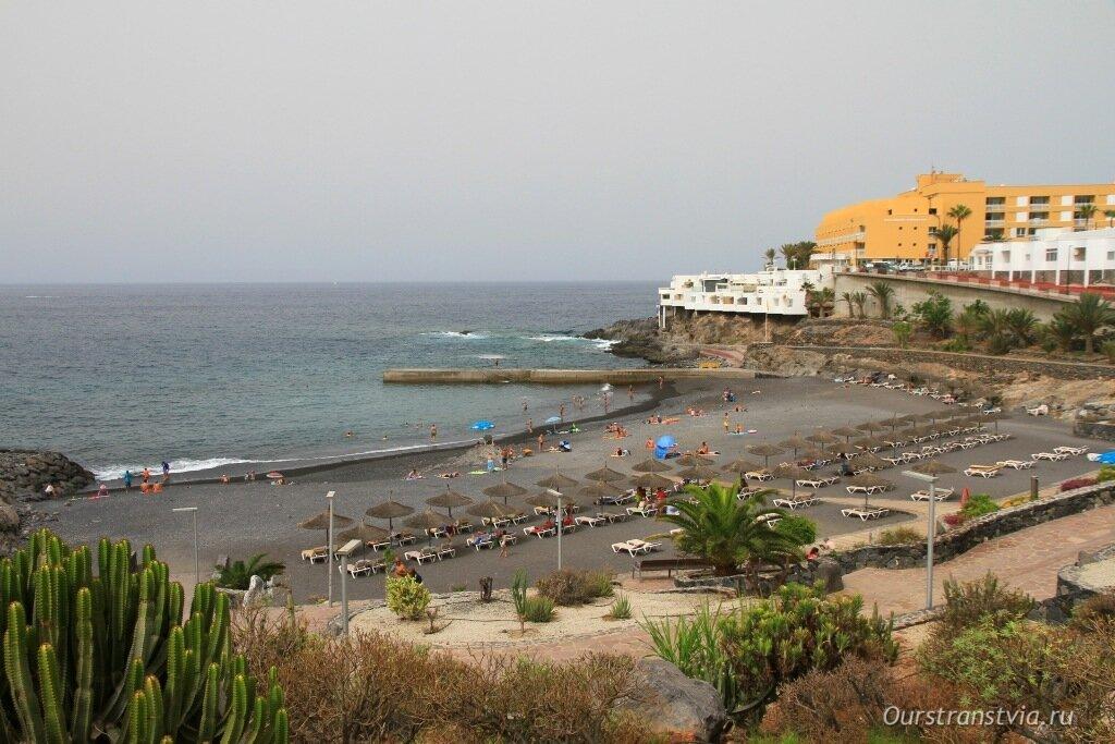 Вид на пляж Ajabo сверху, фото