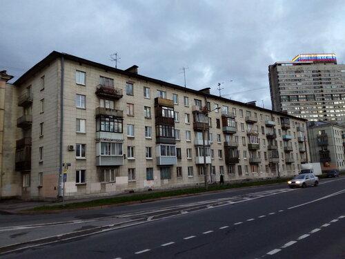 Краснопутиловская ул. 106