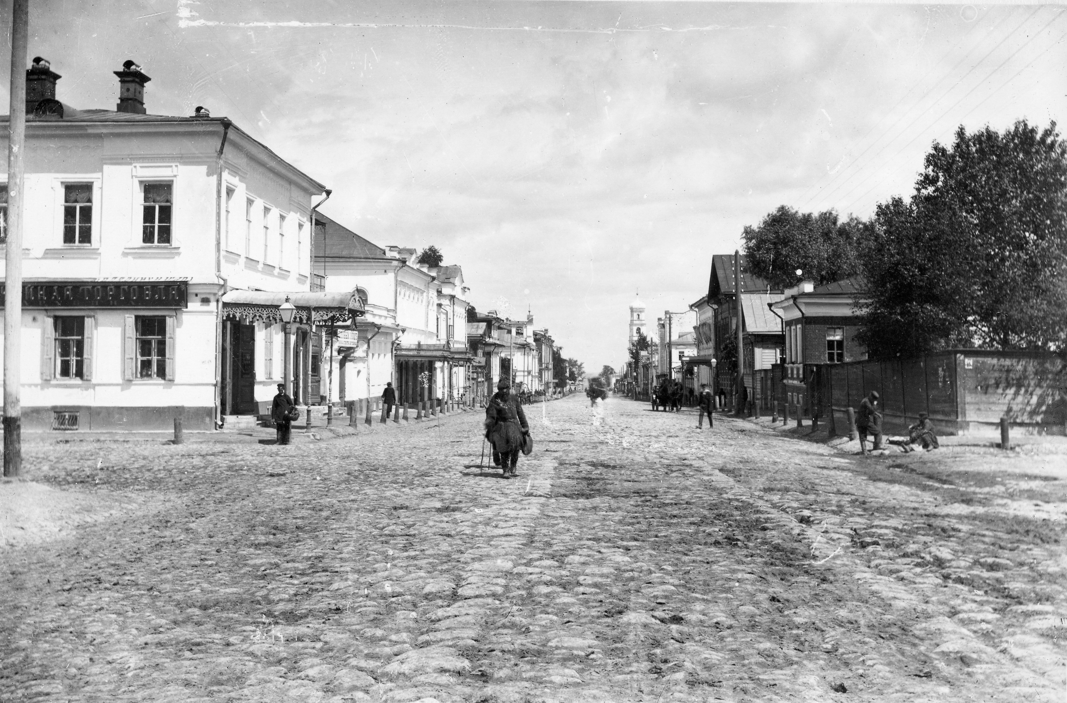 Перекресток ул. Ильинской и Малой Покровской