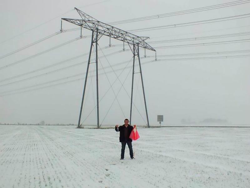 Охота на радиозонды: пожалуй, самое своеобразное хобби среди пожилых людей в объективе швейцарского фотографа (11 фото)
