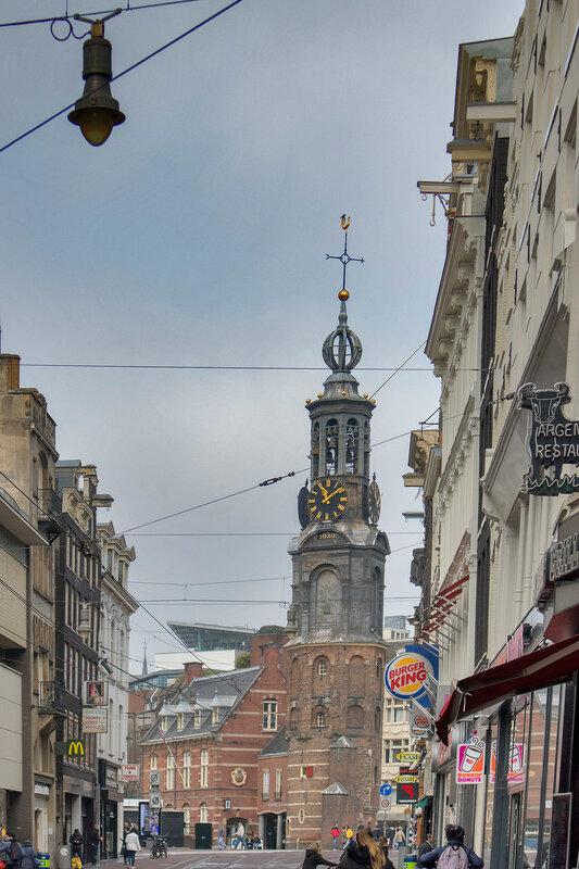 the church Munttoren, rebuilt in Amsterdam Renaissance style around 1620