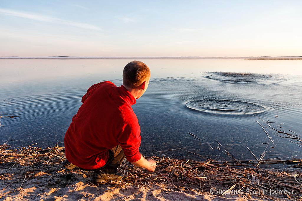 блинчики на поверхности Онежского озера