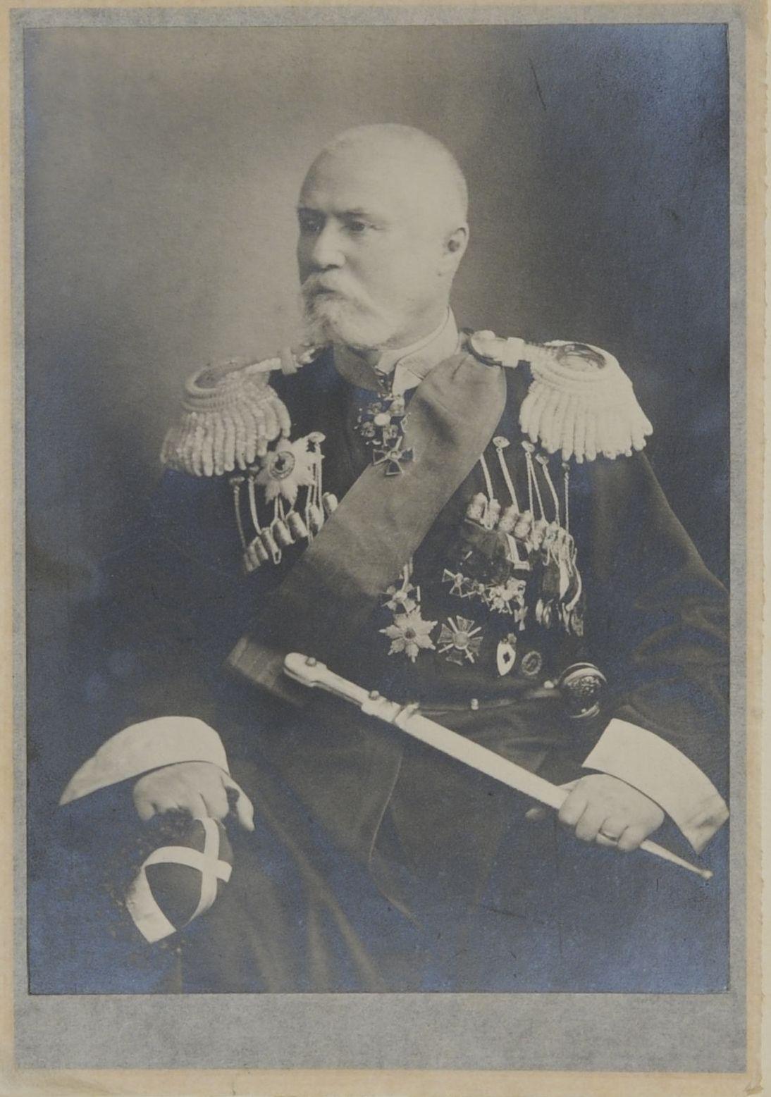 Фото Начальника Кубанской области и наказного атамана Кубанского казачьего войска генерал-лейтенанта М.П.Бабича. 1908-1911