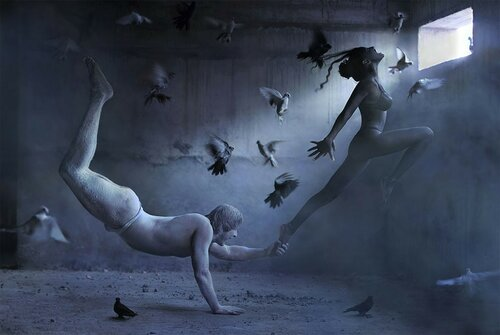 flight-of-fantasy-incredible-art-photography-by-ravshaniya-azulye21.jpg