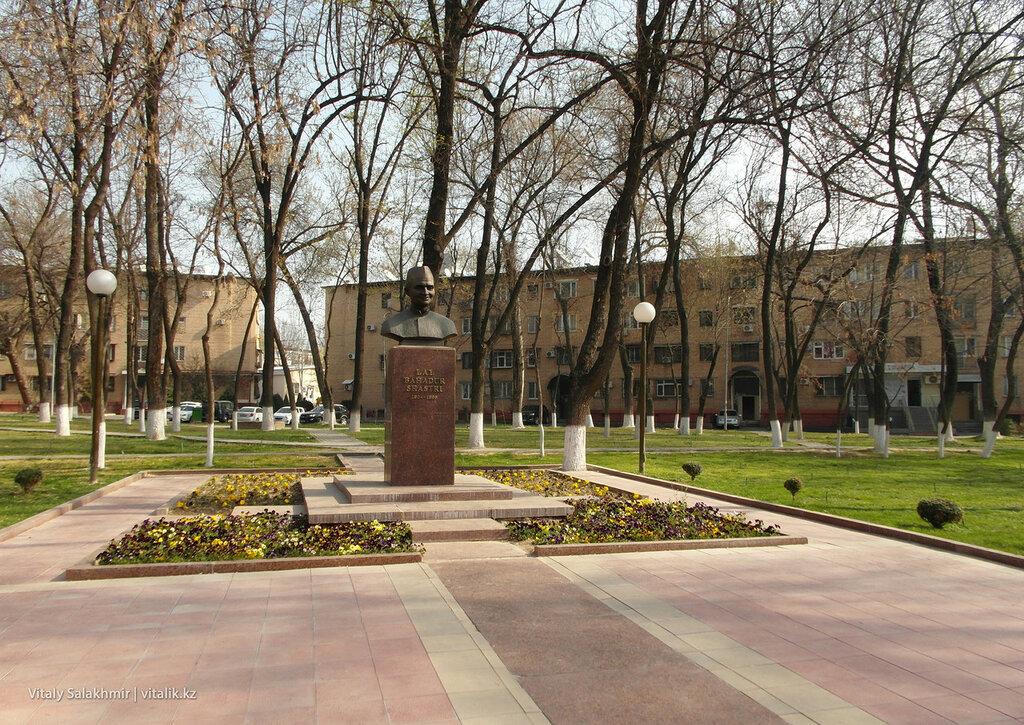 Памятник Бахадур Шастри, Ташкент