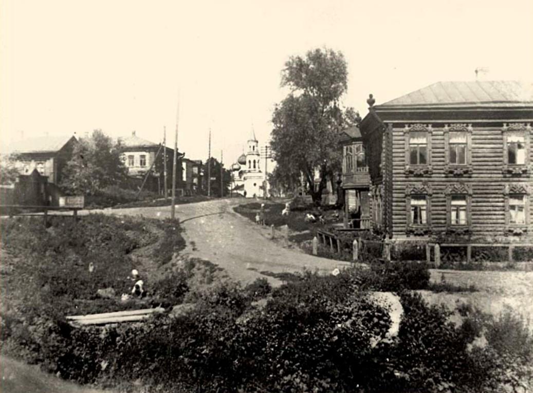 Калашная улица. Вид на церковь Успения Божией Матери