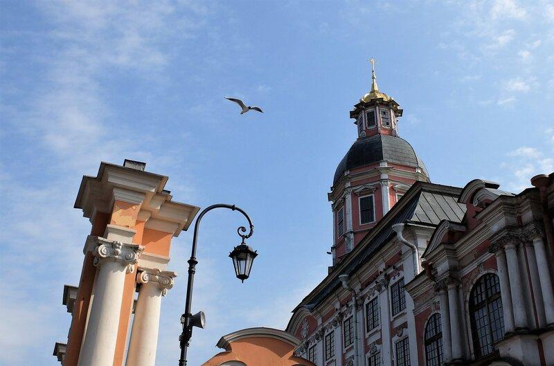 Легенды и кладбища Петербурга