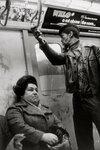 helen-levitt-subway-photographs-4.jpg