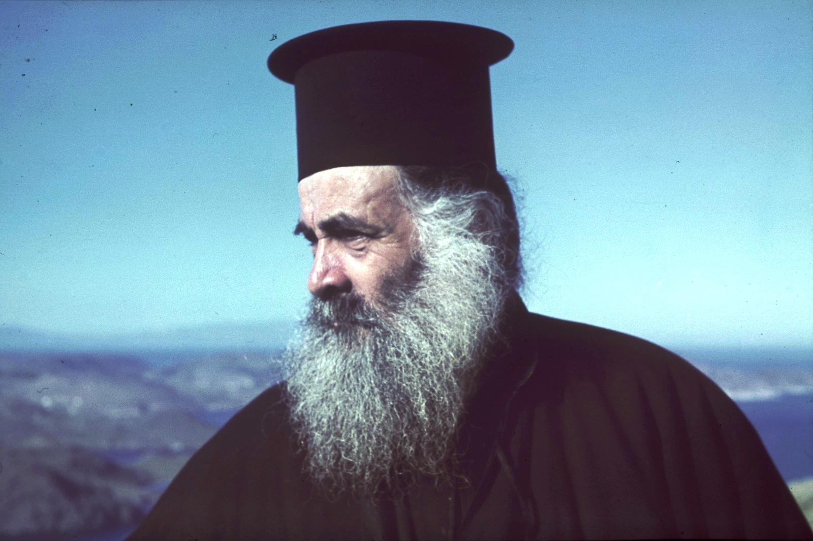 Патмос. Монастырь Иоанна Богослова. Монах
