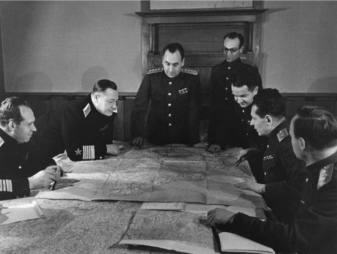 Военные советники СССР на Ялтинской конференции 1945 г. В центре - генерал армии Алексей Иннокентьевич Антонов