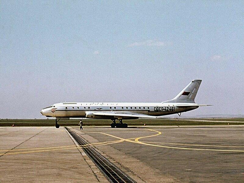 tu104a-cccp-42461-aeroflot-afl-su-prague-ruzyne-prg-lkpr.jpg