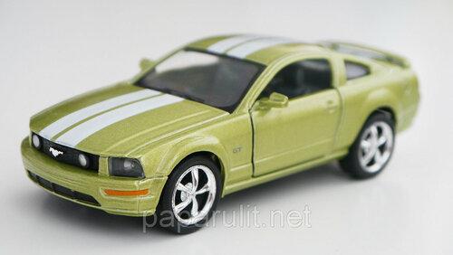 Kinsmart 2006 Ford Mustang GT