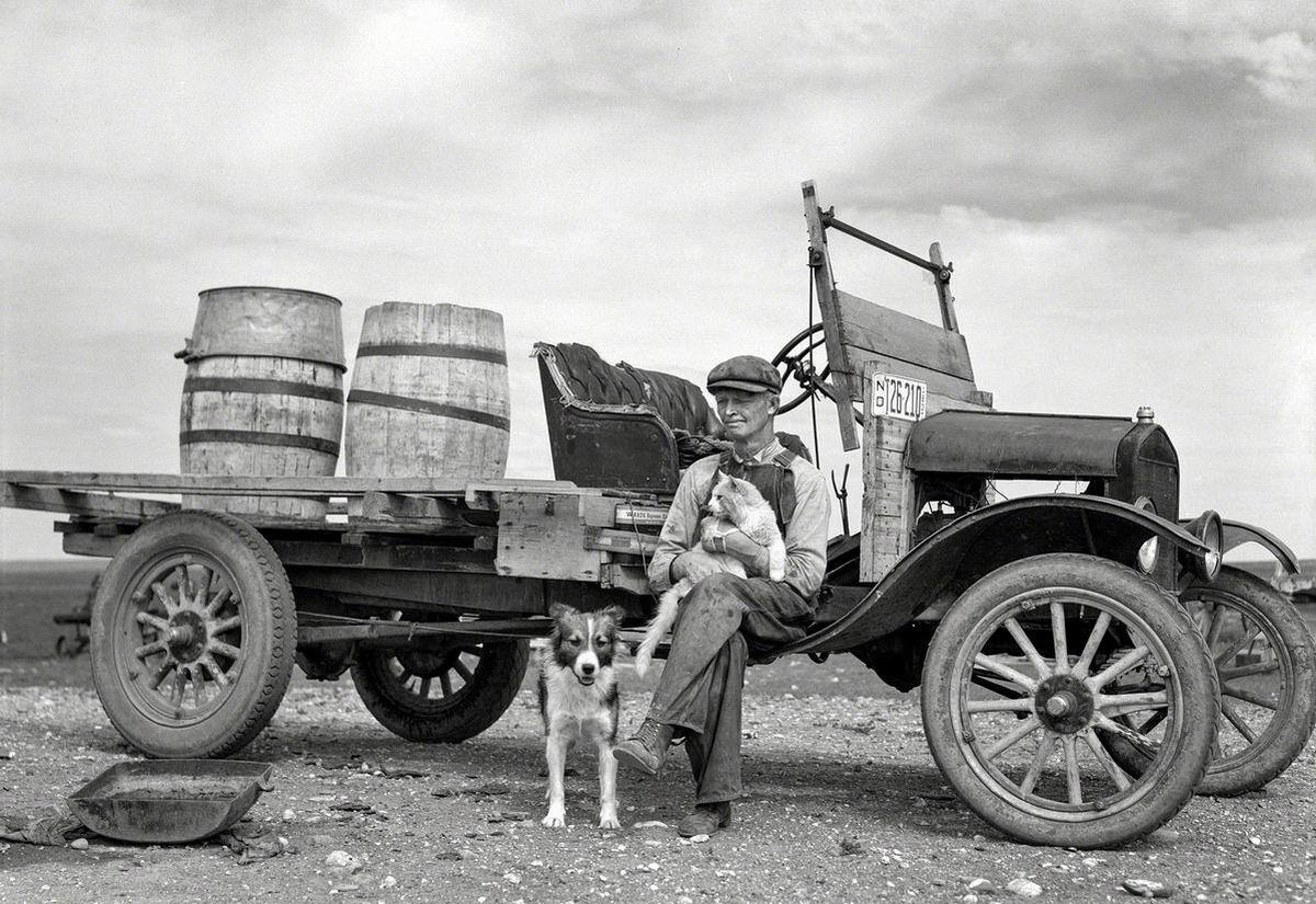 В нашей маленькой, но дружной компании: Американский водовоз (1937 год)