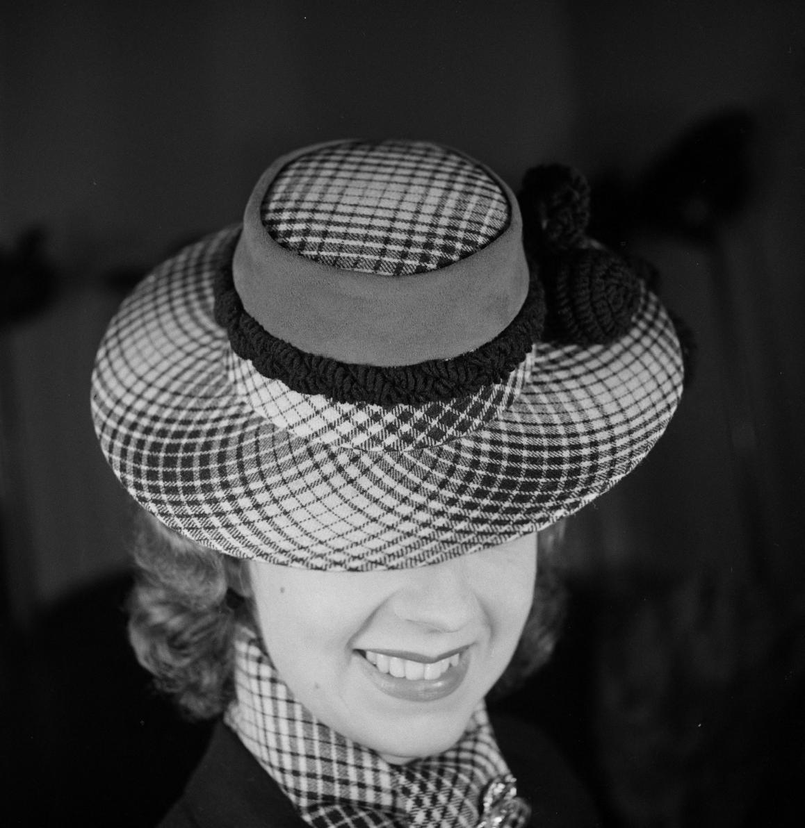28. Шляпа №2