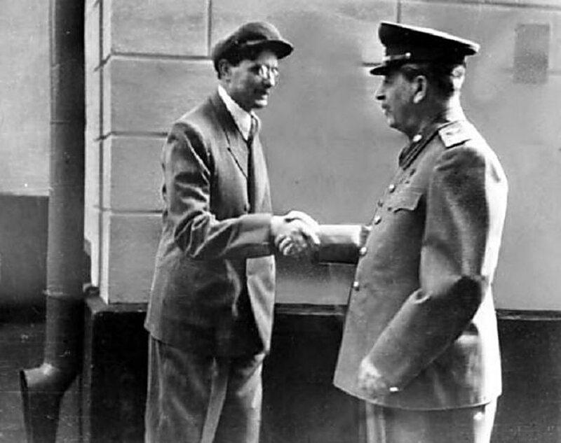 Сталин и Суслов 1949 г.  Секретарь ЦК КПСС 24 мая 1947 — 25 января 1982