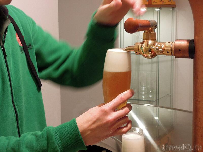 Школа разлива пива Pilsner Urquell