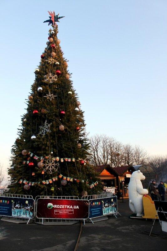 Новогодняя елка под Аркой