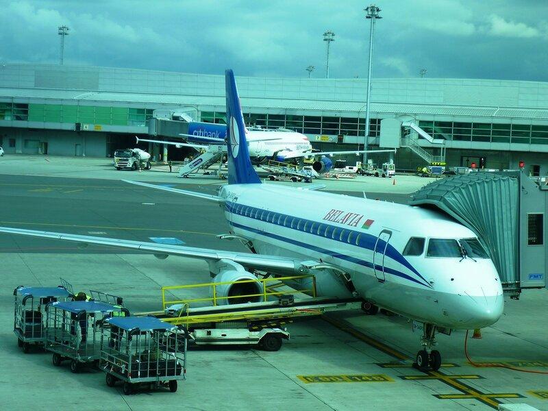 Аэропорт Праги. Самолет Belavia