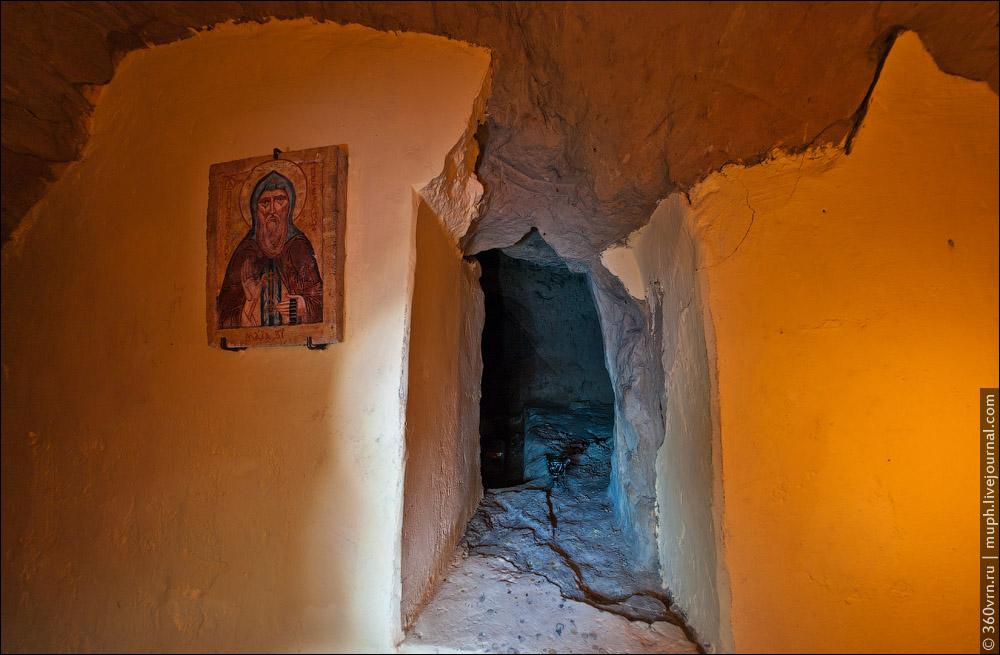 Зверинецкие пещеры. Фото.