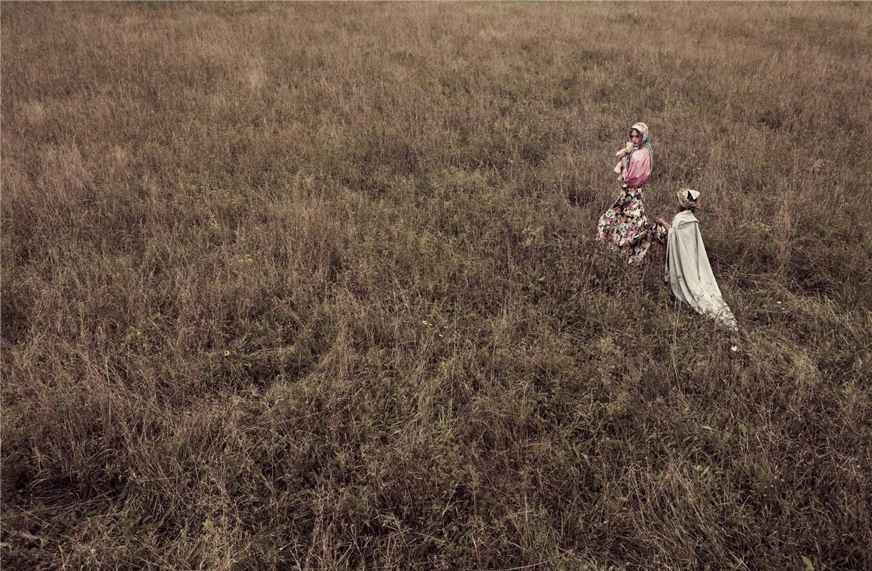 -Мать и дочь- Саша Пивоварова / Sasha Pivovarova by Mikael Jansson in Vogue Paris november 2010