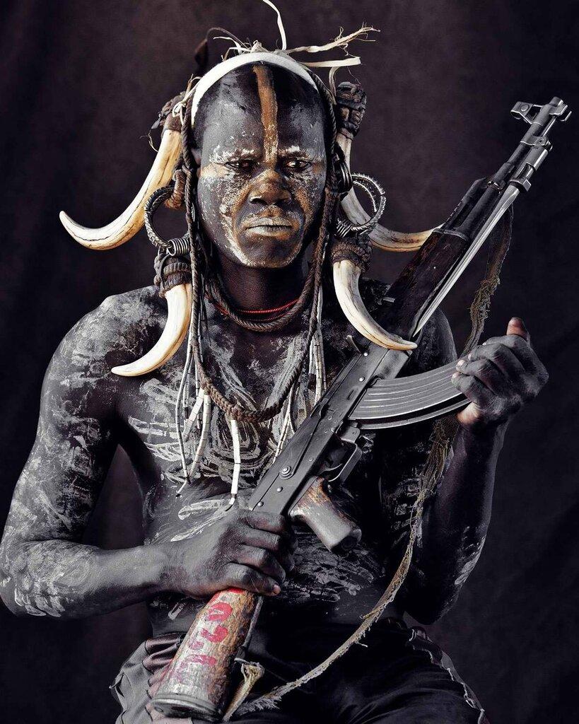 Представители эфиопского племени мурси (4)