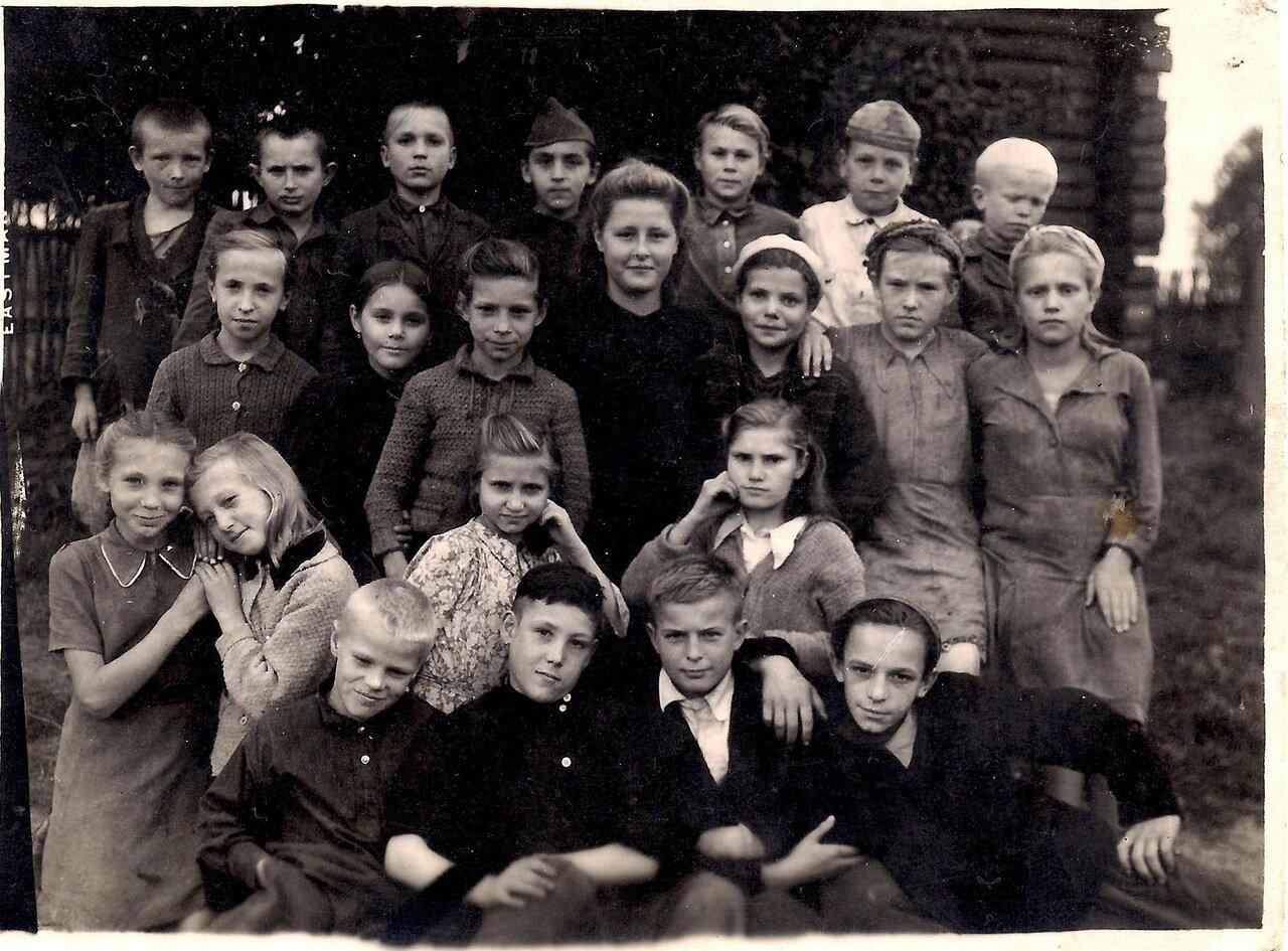 1946. Октябрь. 4 класс Подпоринской начальной школы