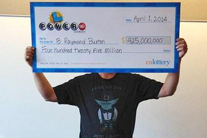 Житель Калифорнии пенсионного возраста выиграл 425 миллионов в лотерею