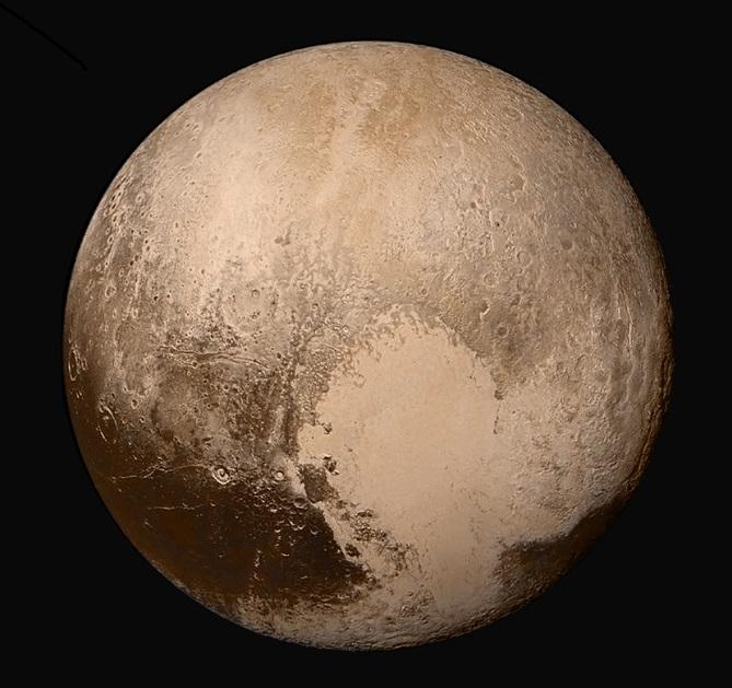 Плутон в естественных цветах