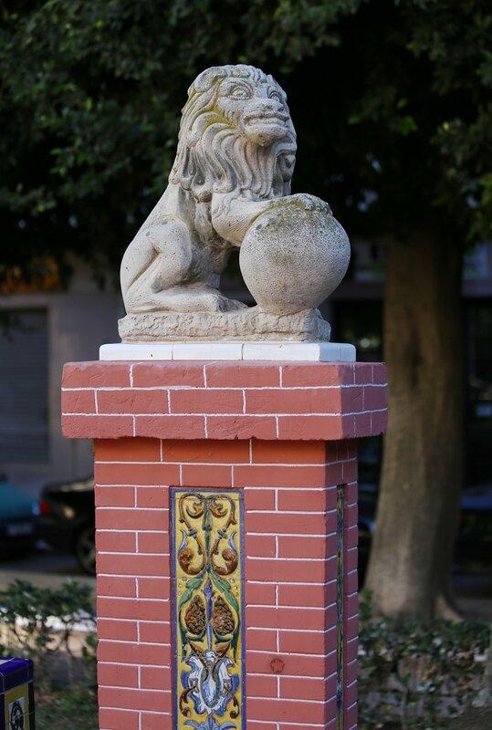 Ориуэла. Парк 'Новая площадь' (Plaza Nueva)