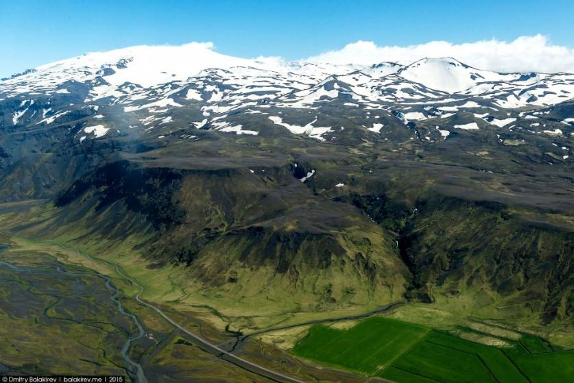 4. Так выглядит один из самых популярных водопадов Исландии с высоты: