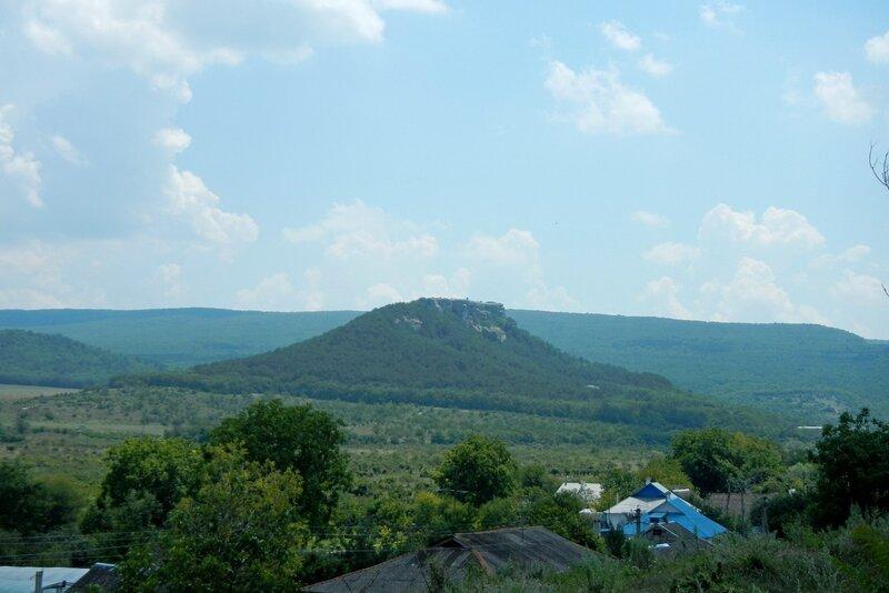 гора Узун-Тарла, вид из Красного Мака