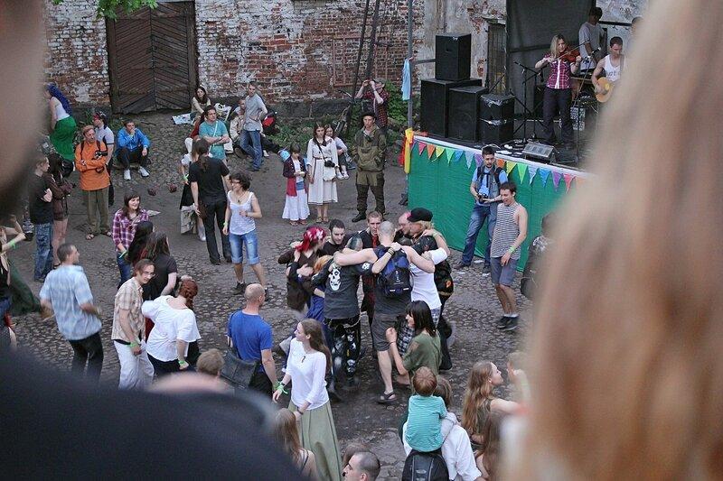 слэм на нижней площади Выборгского замка на фестивале «Майское дерево 2014»