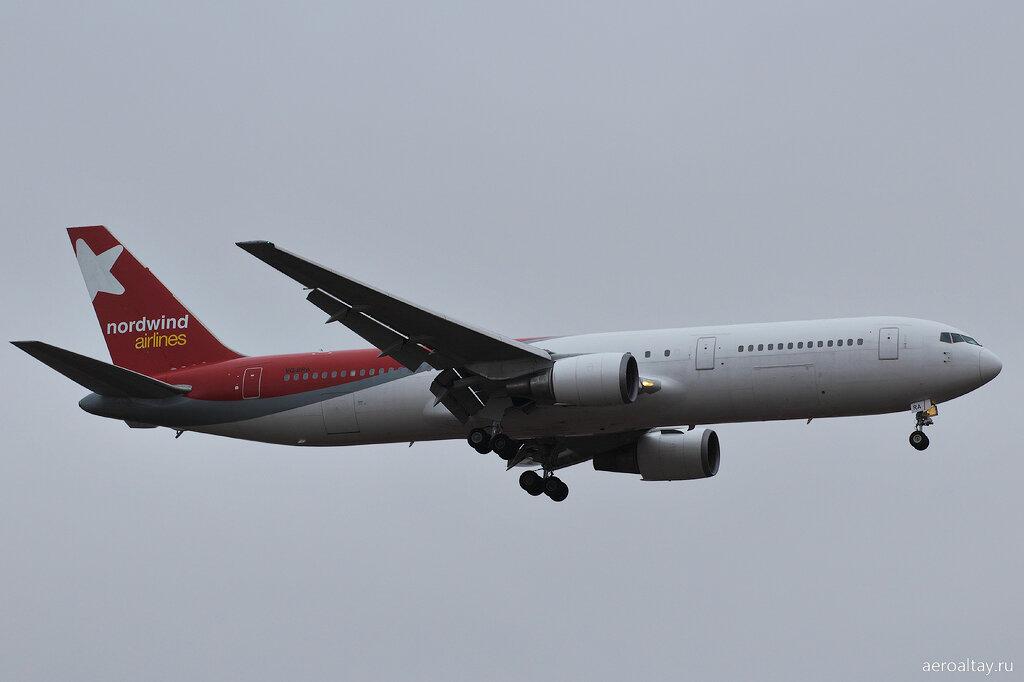 Боинг 767 компании NordWind выполняет рейс NWS 2523 из Камрани в Барнаул