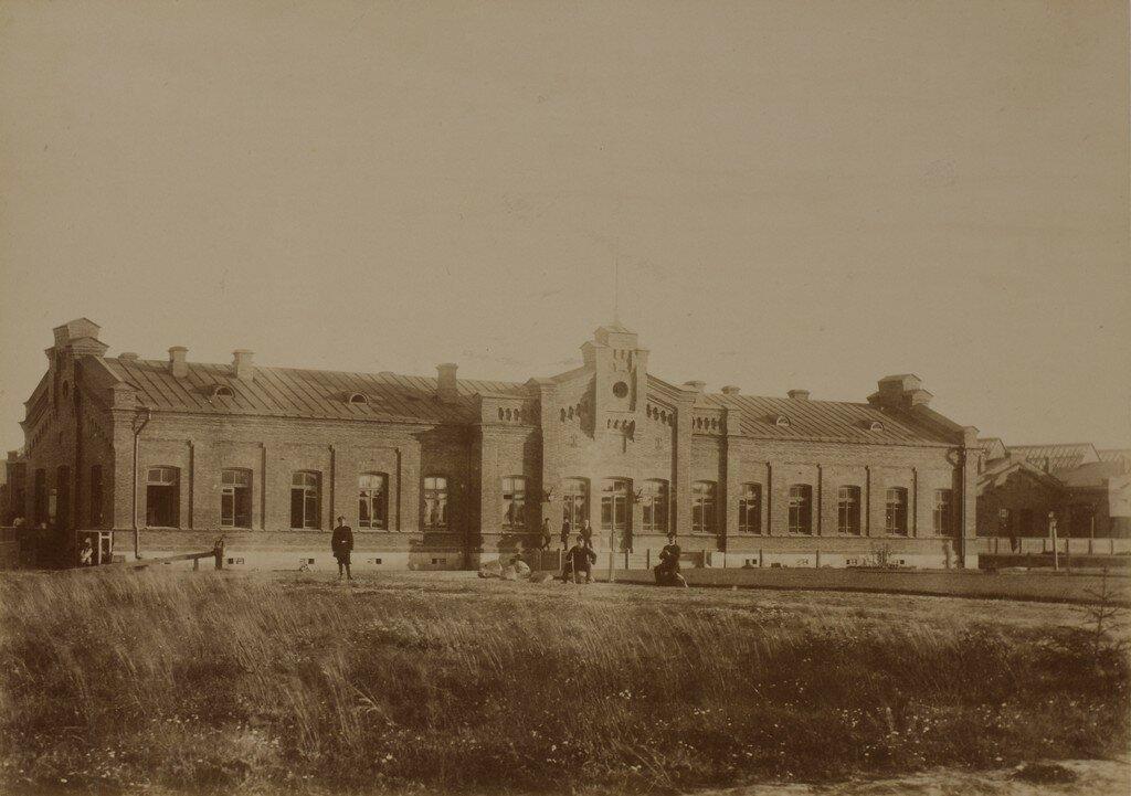 Валк. Железнодорожная станция, вид со стороны улицы