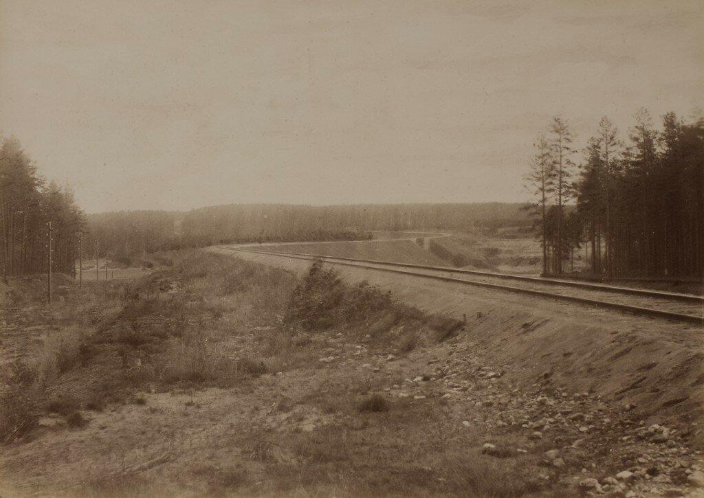 Железнодорожные пути в долине Рауны
