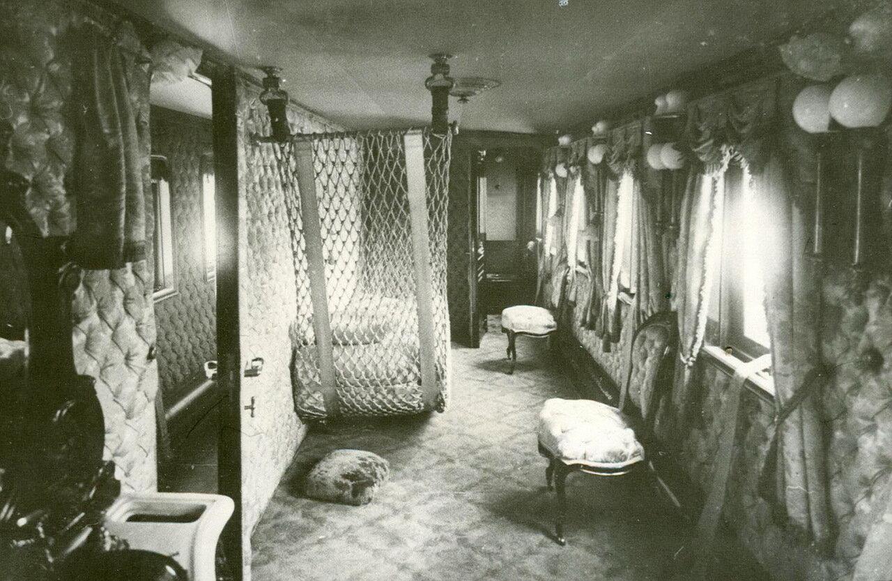 12. Внутрений вид одного из вагонов