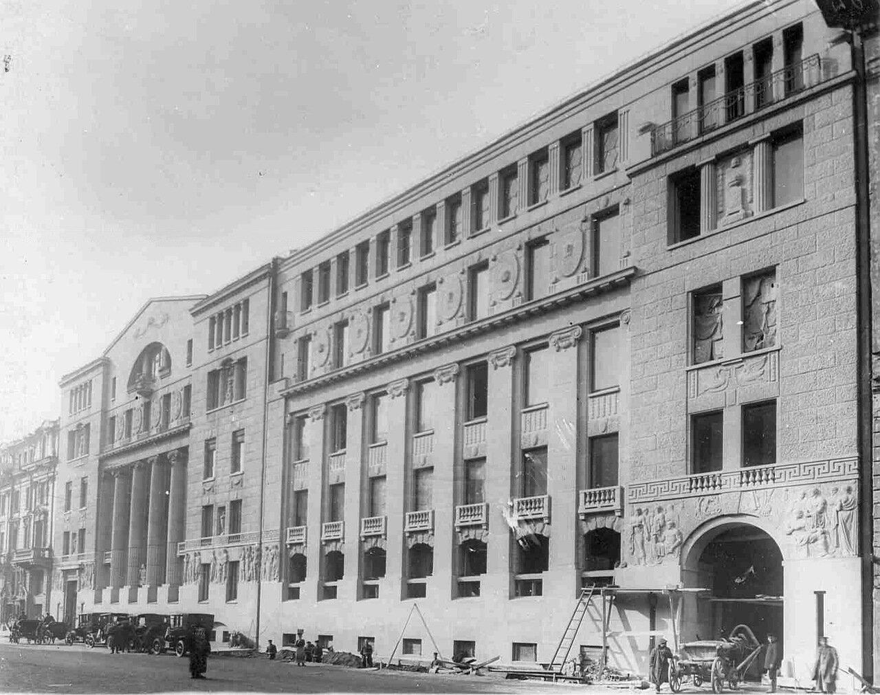 02. Внешний вид здания Азовско-Донского коммерческого банка