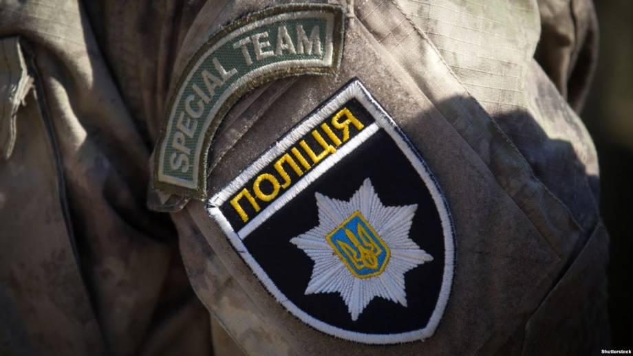 Полиция заявляет о задержании двух подозреваемых в похищении бюст Леси Украинки в Киеве