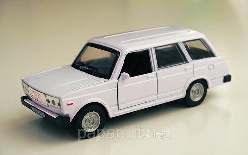 Машинка металлическая Lada 2104 со светом и звуком