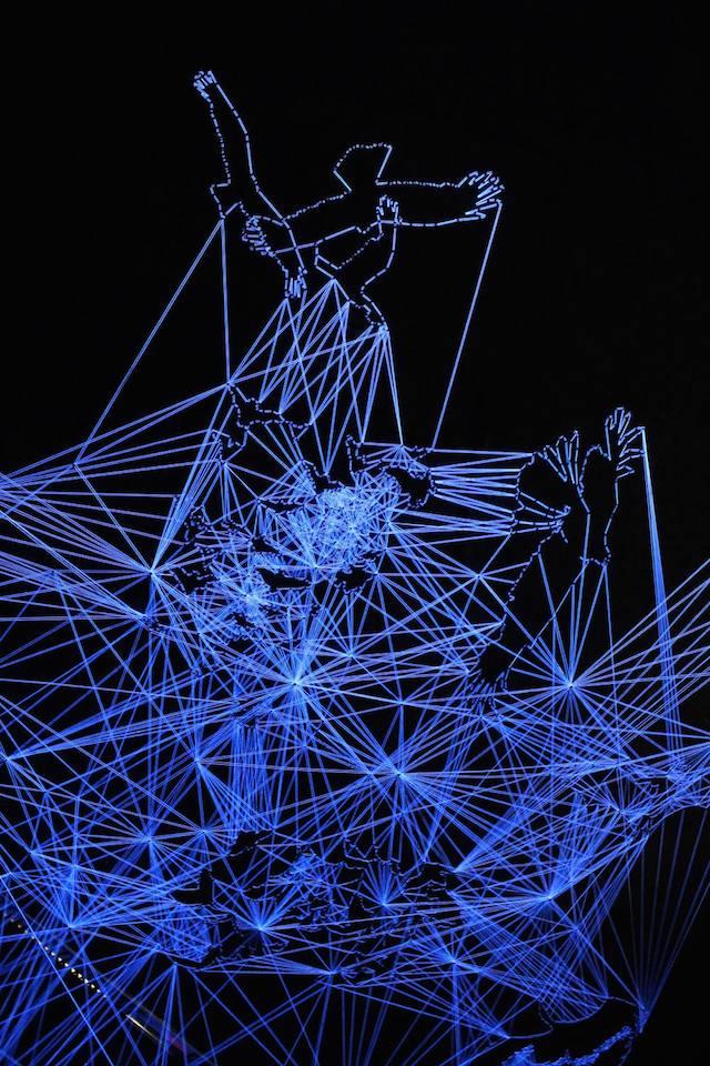 Stellar Tunnels of Illuminated Thread Drawings