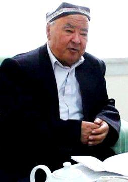 150617154541_uzbek_literature_professor_aziz_qayumov_640x360_bbc_nocredit.jpg