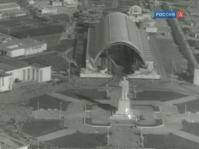 Павильон Механизация и электрификация сельского хозяйства СССР, 1939-1941 гг. Кадр из д/ф