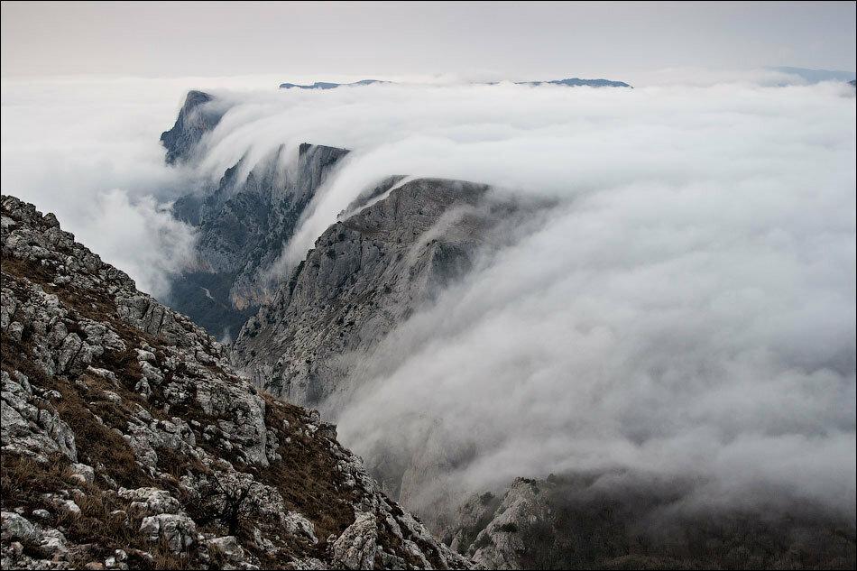 Облака-водопады или Шайтан-Мердвен в тумане .....