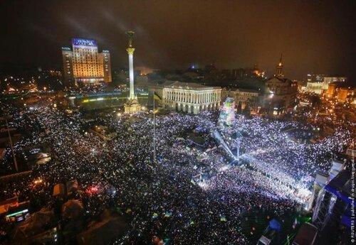 Новый год на Майдане 2014 (13 фото)+ видео