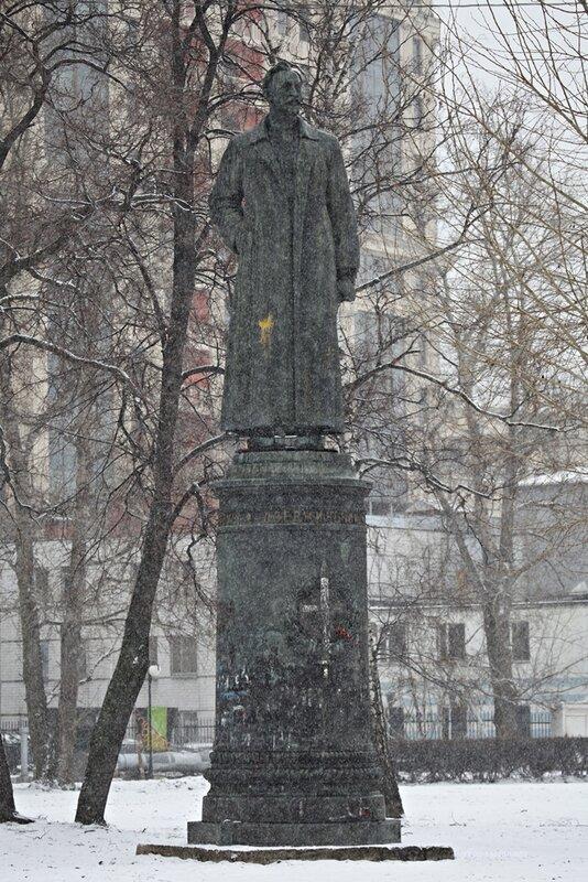 Памятники в Музеоне