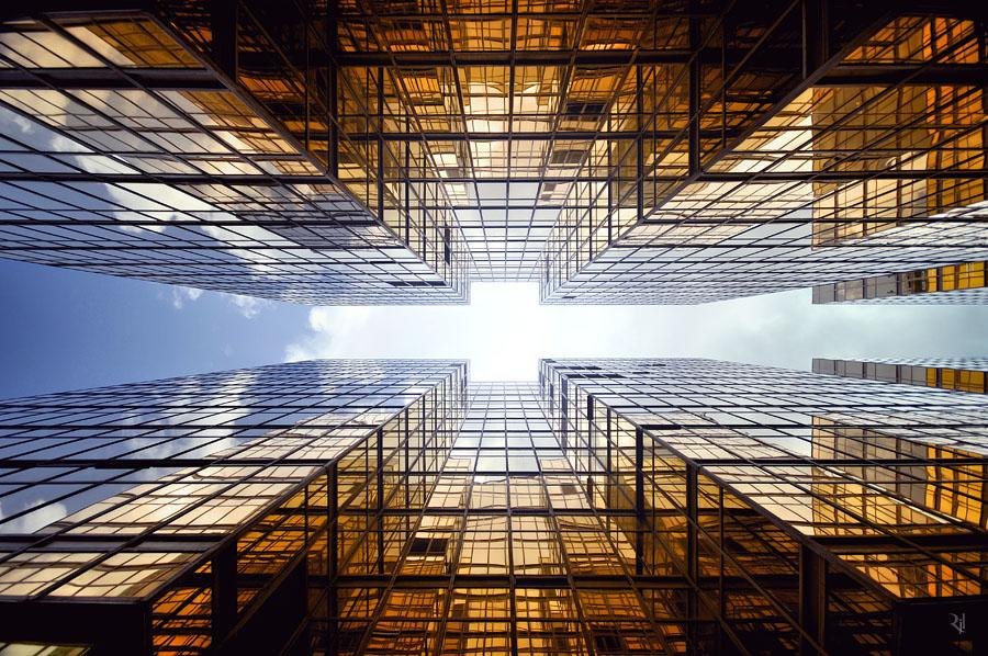Гонконг в серии `Vertical Horizon` от Romain Jacquet-Lagreze